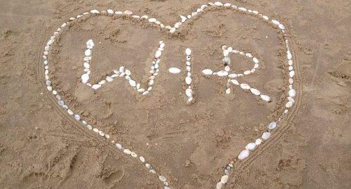 W-I-R aus Steinen